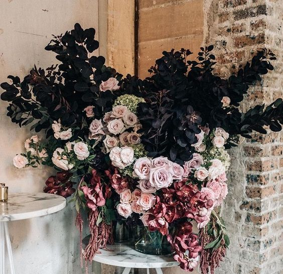Wedding Decorations Hire Brisbane: Our Top 5 Wedding Flower Trends For 2018!