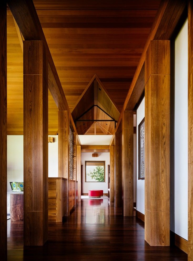 15 Fantastic Tropical Hallway Designs To Help You Get Around