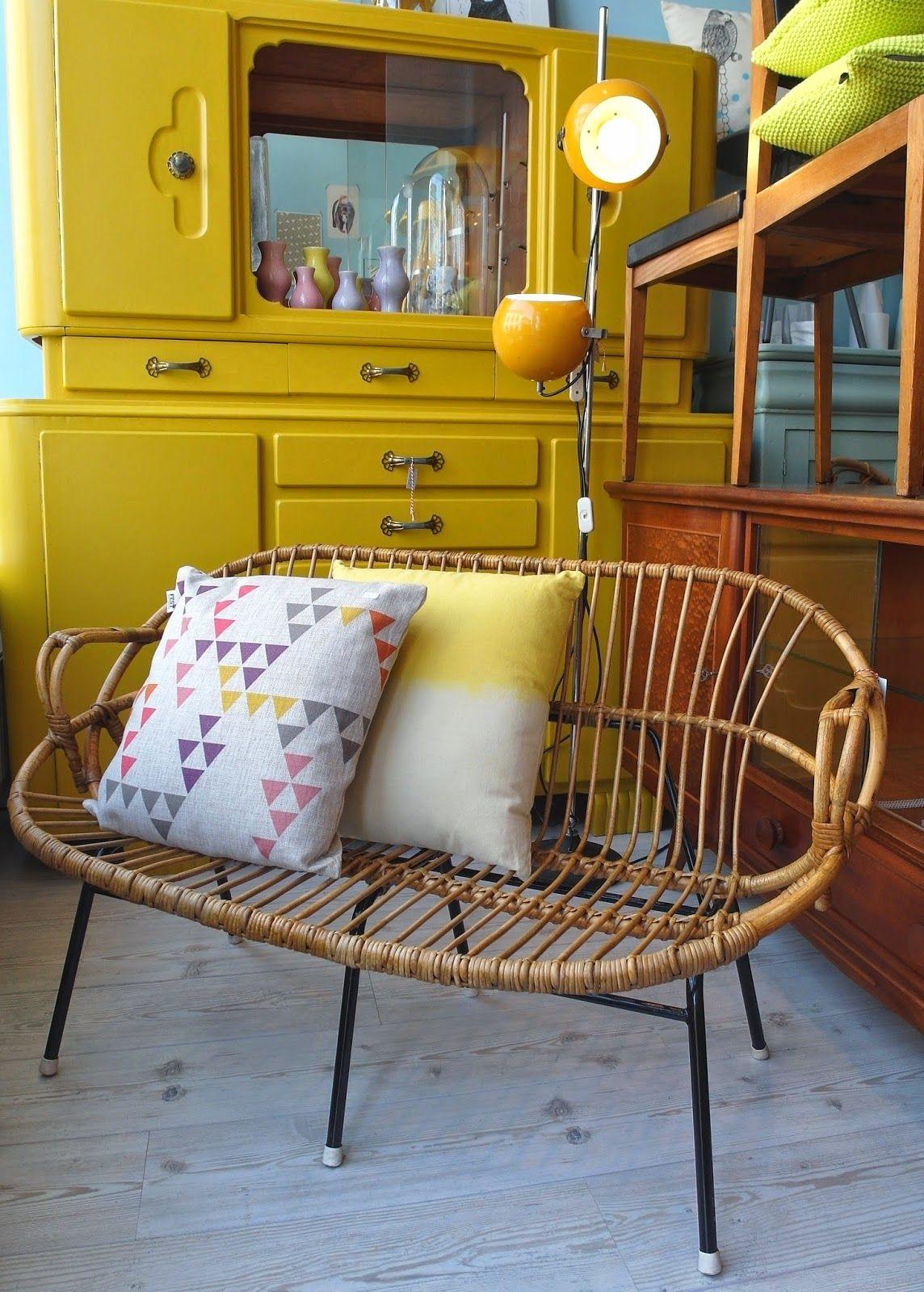 FEITO COM AMOR retro, vintage & design Breda... I love the yellow ...