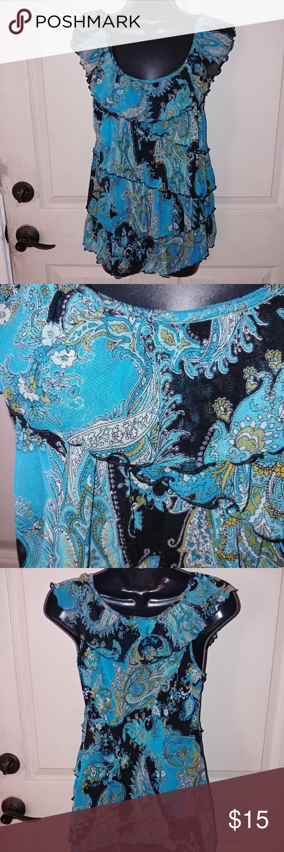 Beautiful tiered top Beautiful tied top Size medium Sinched in the back for a great fitting top Apt. 9 brand Excellent condition ****************** 1-08022018 Apt. 9 Tops Blouses
