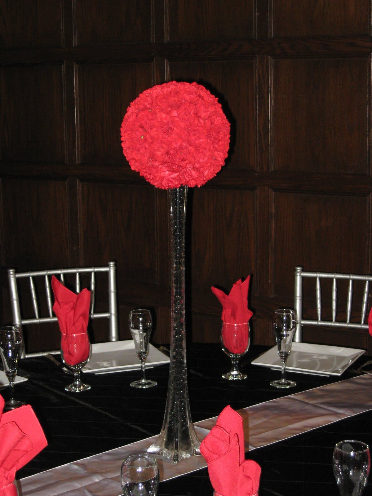 Red and black centerpiece center of attention centerpieces red pomander ball with eiffel tower vase filled with black beads reviewsmspy