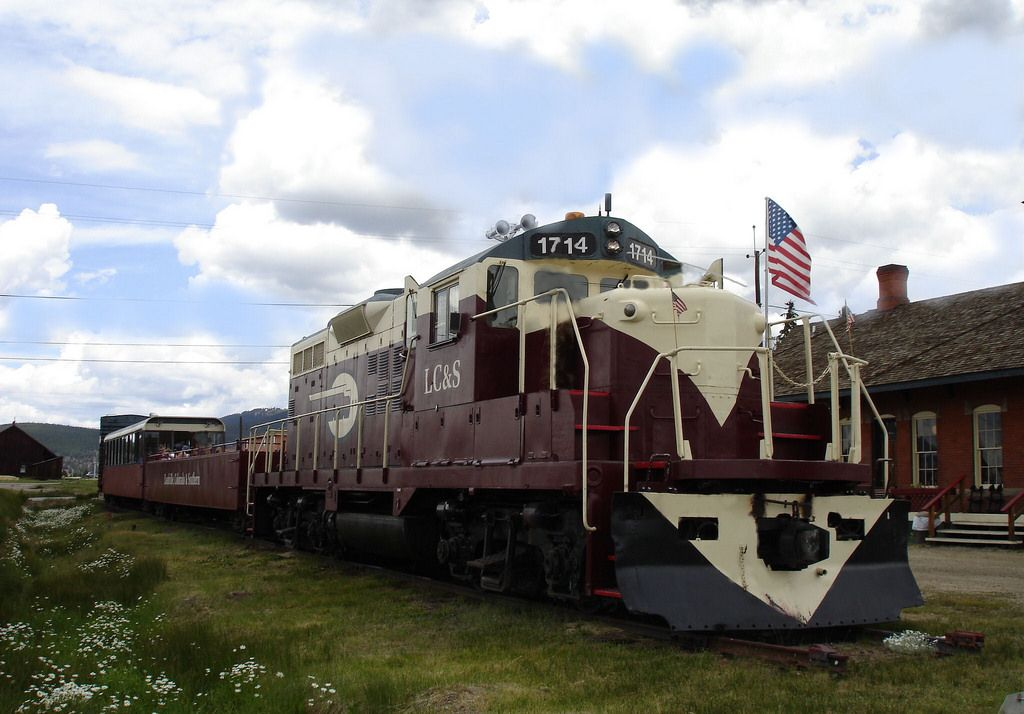 Leadville Colorado & Southern Railroad   High in the Rocky Mountains, the Leadville Colorado & Southern Railroad takes sightseers, on a scenic journey through untouched wilderness. Along the way, you'll experience the beauty of the Arkansas River Valley and Colorado's two highest peaks.