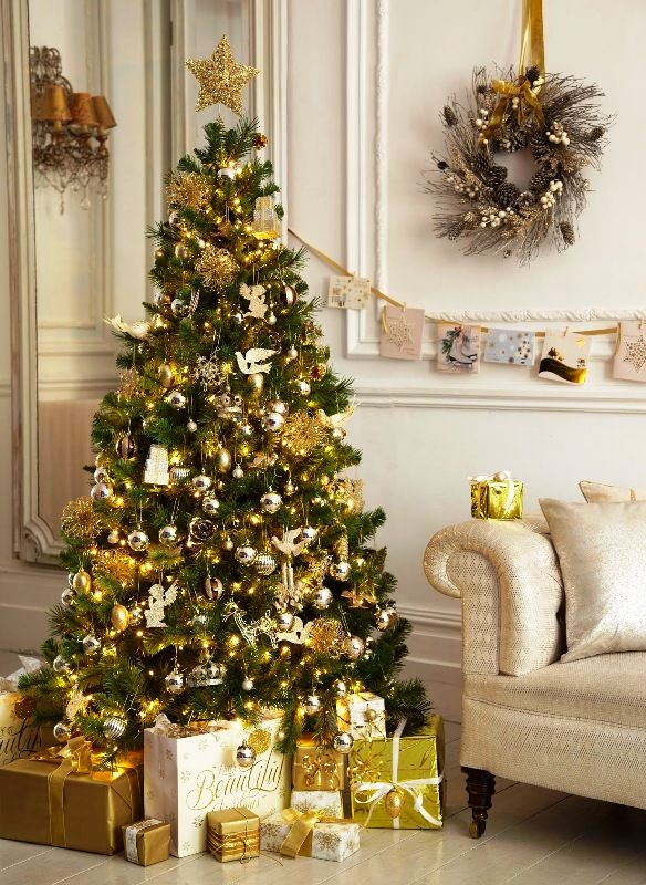 30 White And Gold Christmas Decorations Ideas Decoration Love Christmas Tree Decorations Gold Christmas Decorations Gold Christmas Tree Decorations