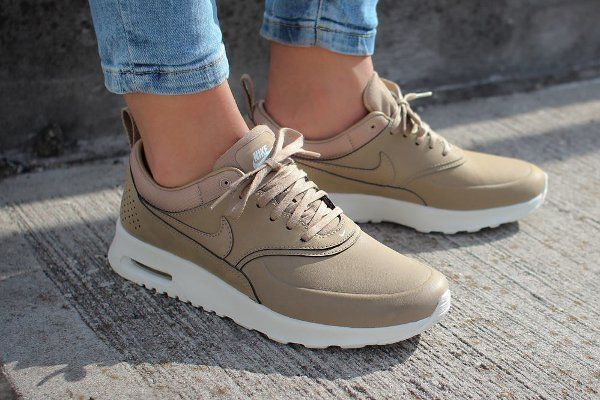 nike air max thea desert camo tan beige wedge