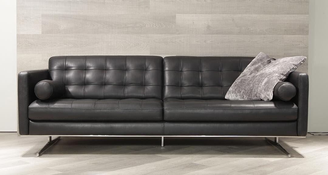 Divani Design Torino.Come See Our Grand Torino Sofa By Max Divani In Our Showroom