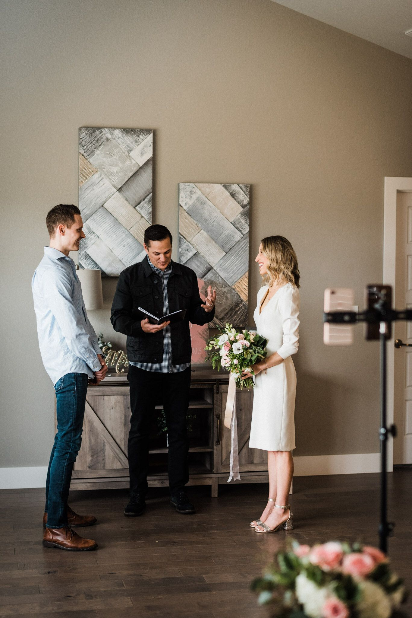 Living Room Virtual Wedding Lindsay Chris Tanner Burge Photography In 2020 Wedding Social Blue Themed Wedding Wedding Ceremony Photos