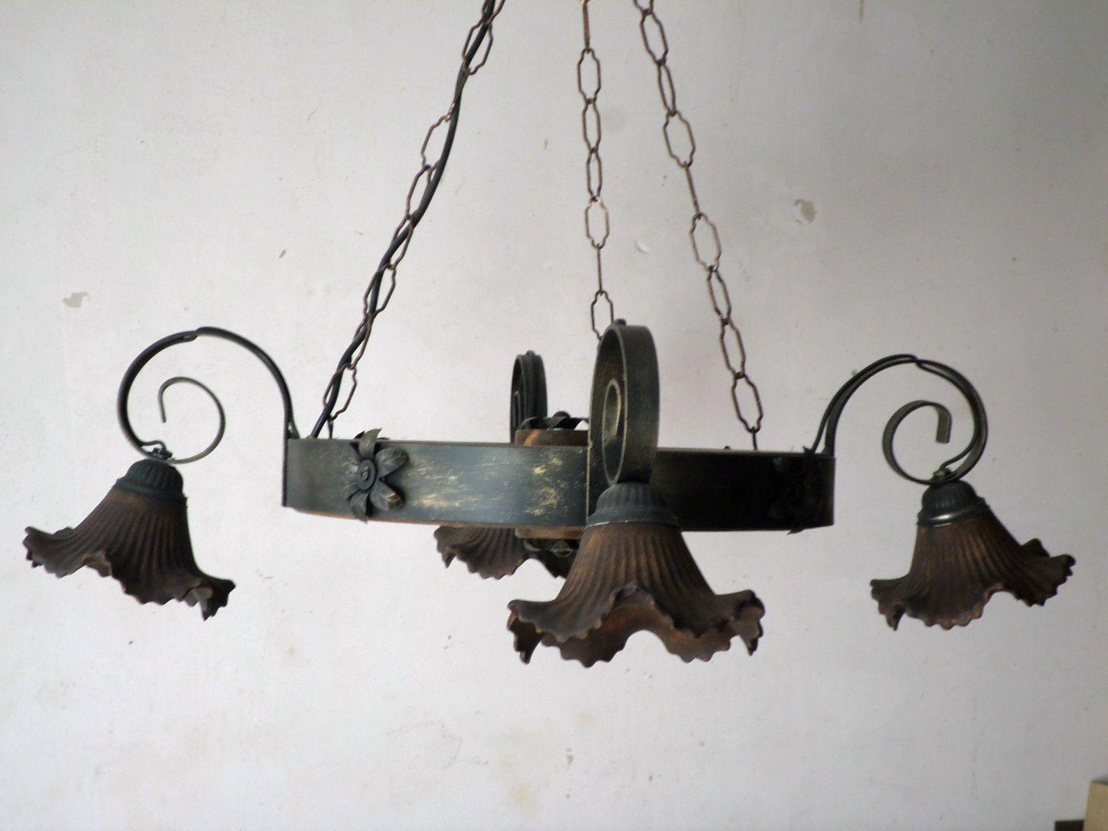 Lampadario Stile Rustico : Lampadario rustico ruota di carro in ferro battuto e legno cucina