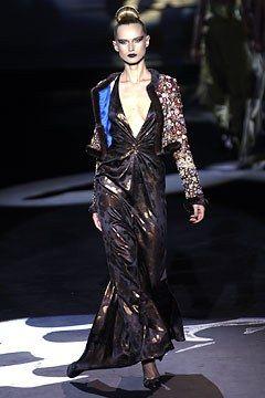 Valentino Fall 2002 Couture Fashion Show - Valentino Garavani, Inga Savits