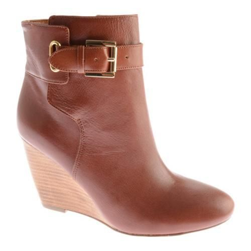 The Zapper is a trendy shoe bootie with zipper closure and buckle detailing.