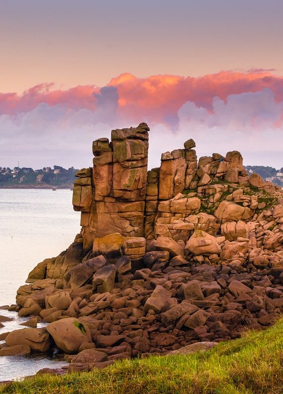 Pink Granite Coast Cote De Granit Rose Is A Stretch Of Coastline In The Cotes D Armor Departement Of Northern Brittany France It Stretches For More Than Thi
