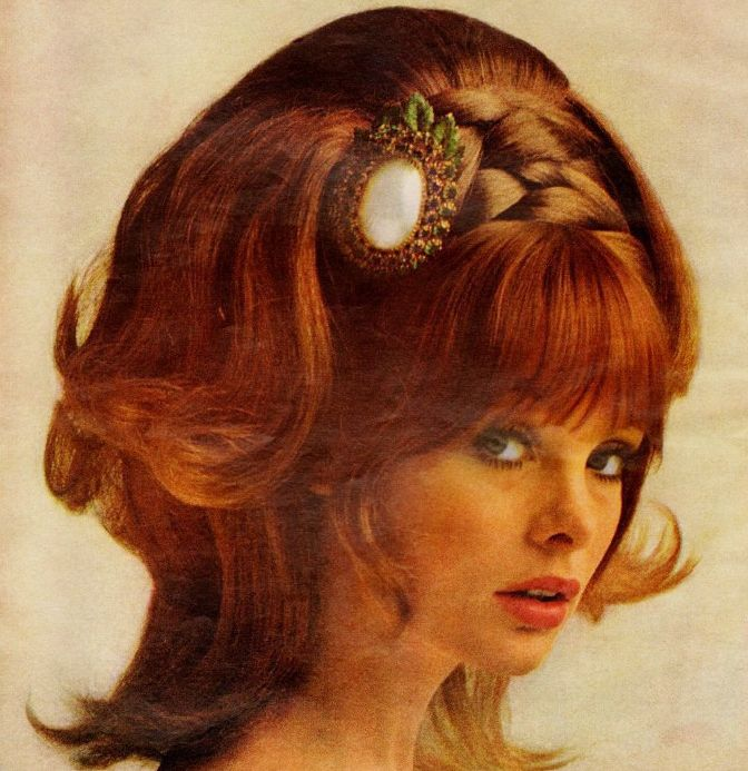 Jean Shrimpton in a 1968 ad for wig hairpieces. (♥)