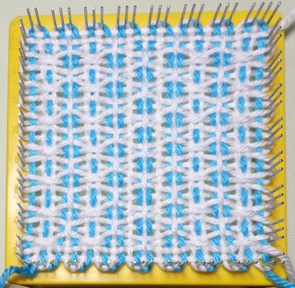 Finished square, still on loom. | telar | Pinterest | Telar ...