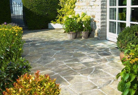 Garten anlegen und gestalten praktische tipps von for Landhaus garten anlegen