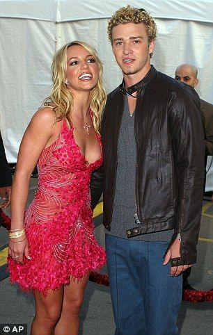 Who was britney spears dating in 2002