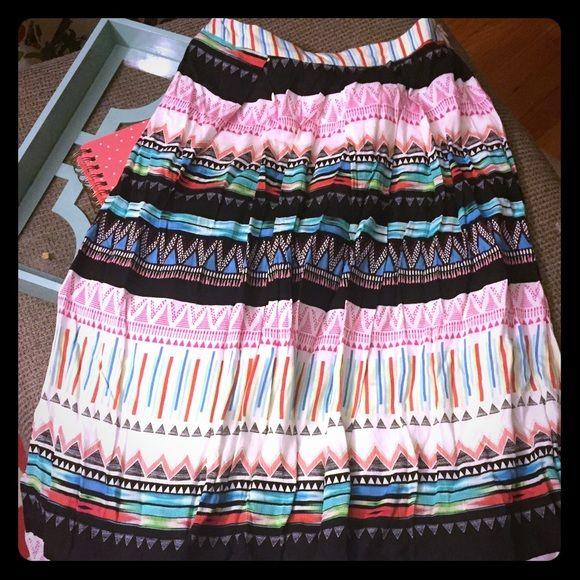 Forever 21 midi skirt Gorgeous forever 21 midi skirt Forever 21 Skirts Midi