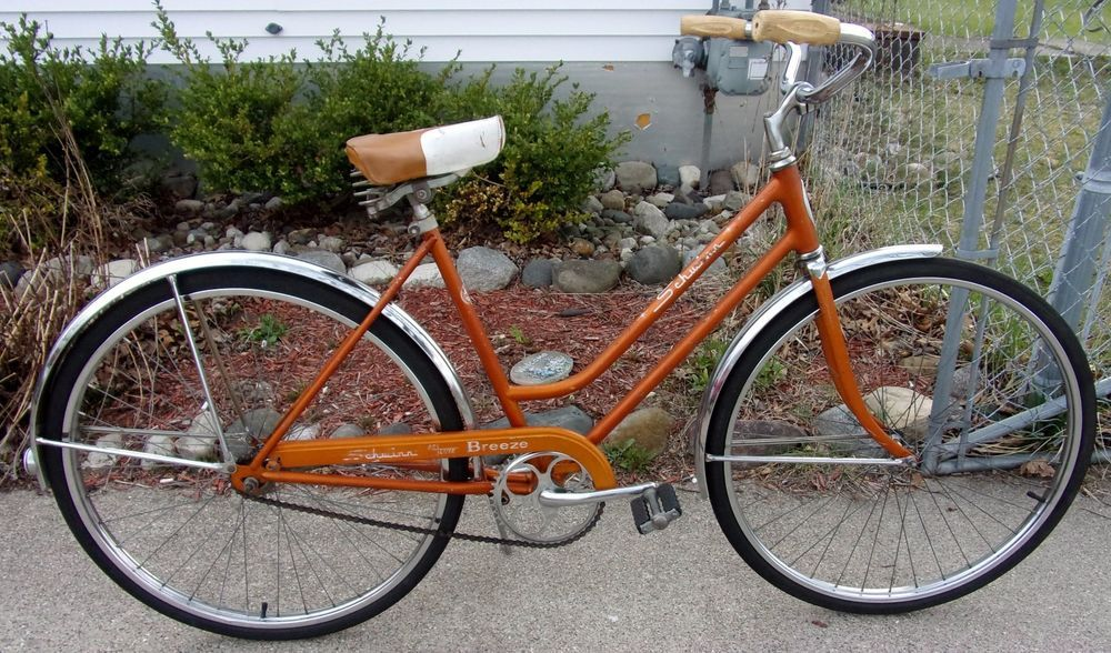 Vintage 1966 Schwinn Ladies Coppertone Breeze Deluxe 26 Bicycle Bike Bicycle Bike Schwinn Vintage Bikes