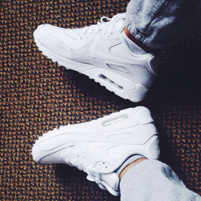 Air Max 90 White Nike Airmax Back In Style This Shoe Mainly Looks Great With The Urban Type Of Dressing And Nike Shoes Cheap Nike Air Max Nike Free Shoes