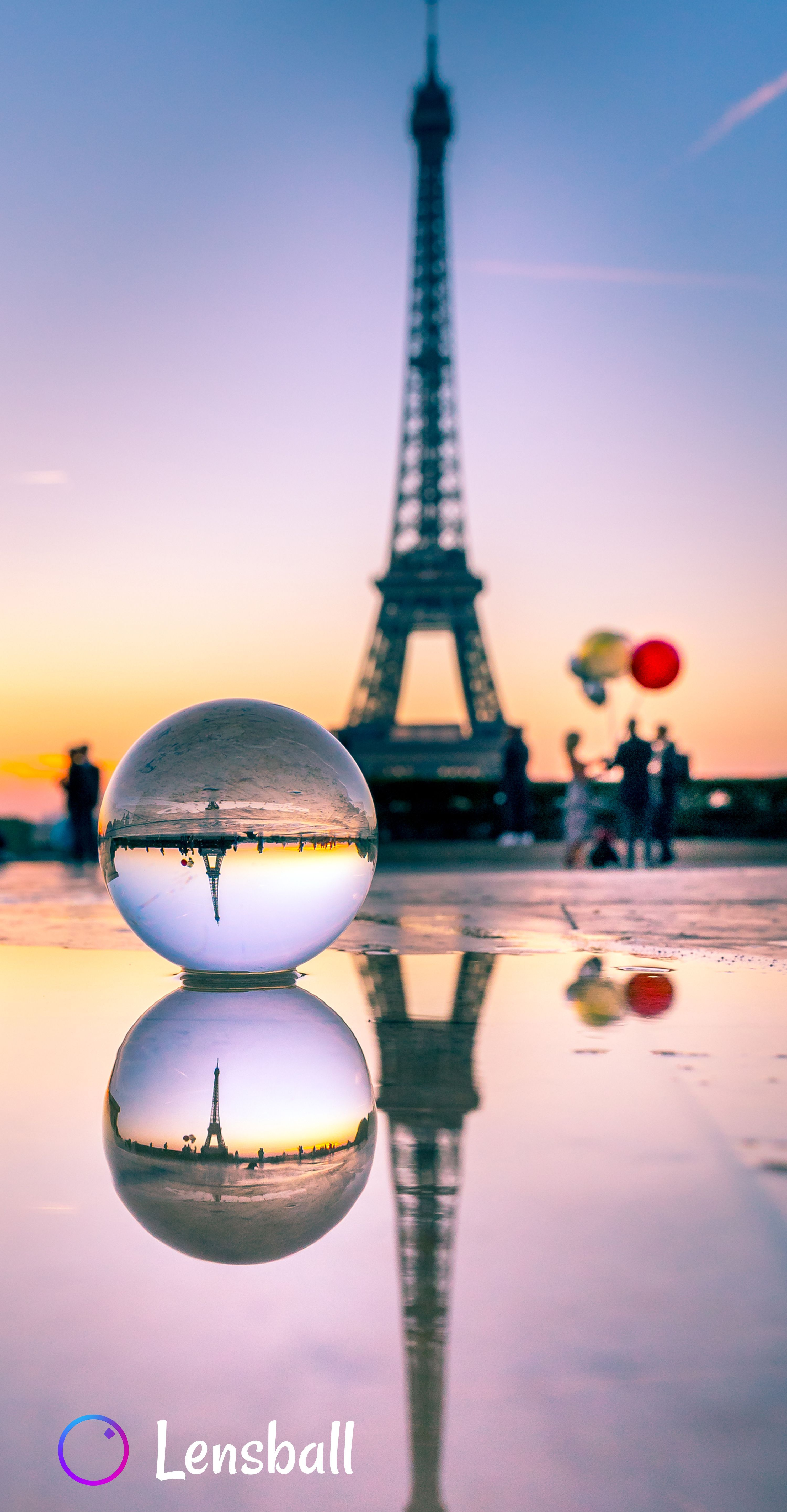 Lensball Wedding Photography in Paris at sunset with the Eiffel Tower in the background