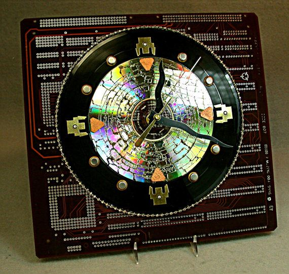 recycled circuit board 45 rpm vinyl record wall clock geekery i rh pinterest com