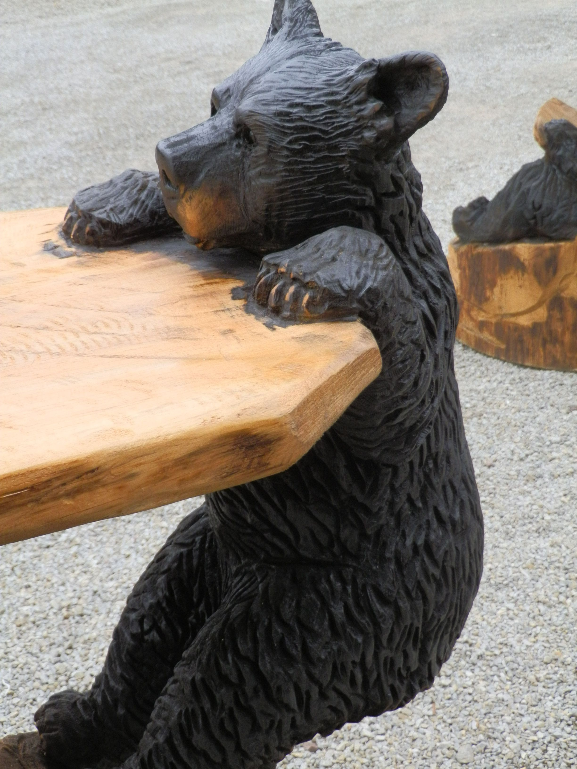 Chainsaw carved bear with table art from