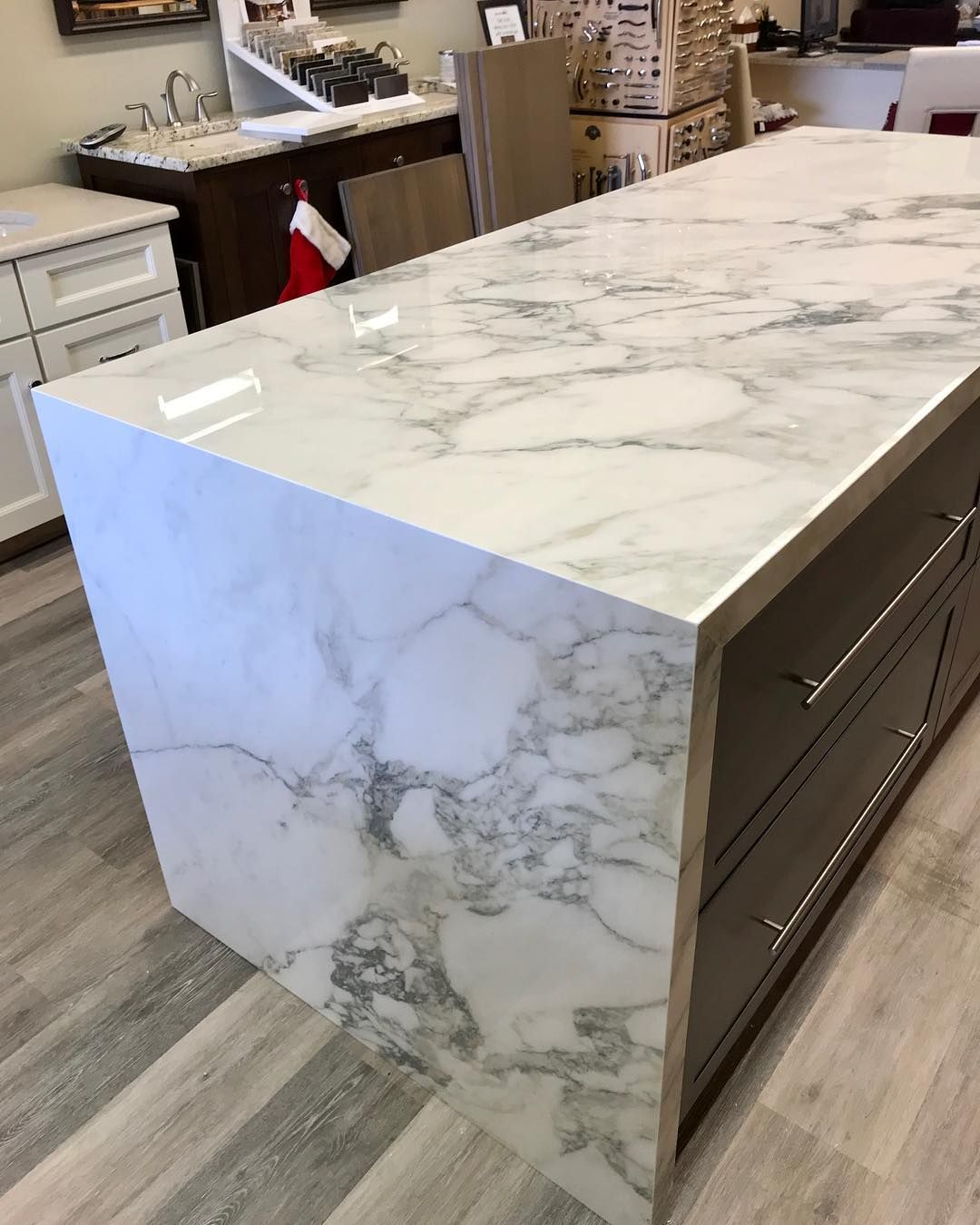 2 Thick Sapienstone Island Counter Top With Waterfall Sapienstone