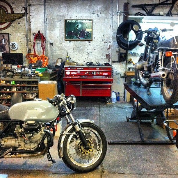 m 2 moto garage bikes pinterest cafes. Black Bedroom Furniture Sets. Home Design Ideas