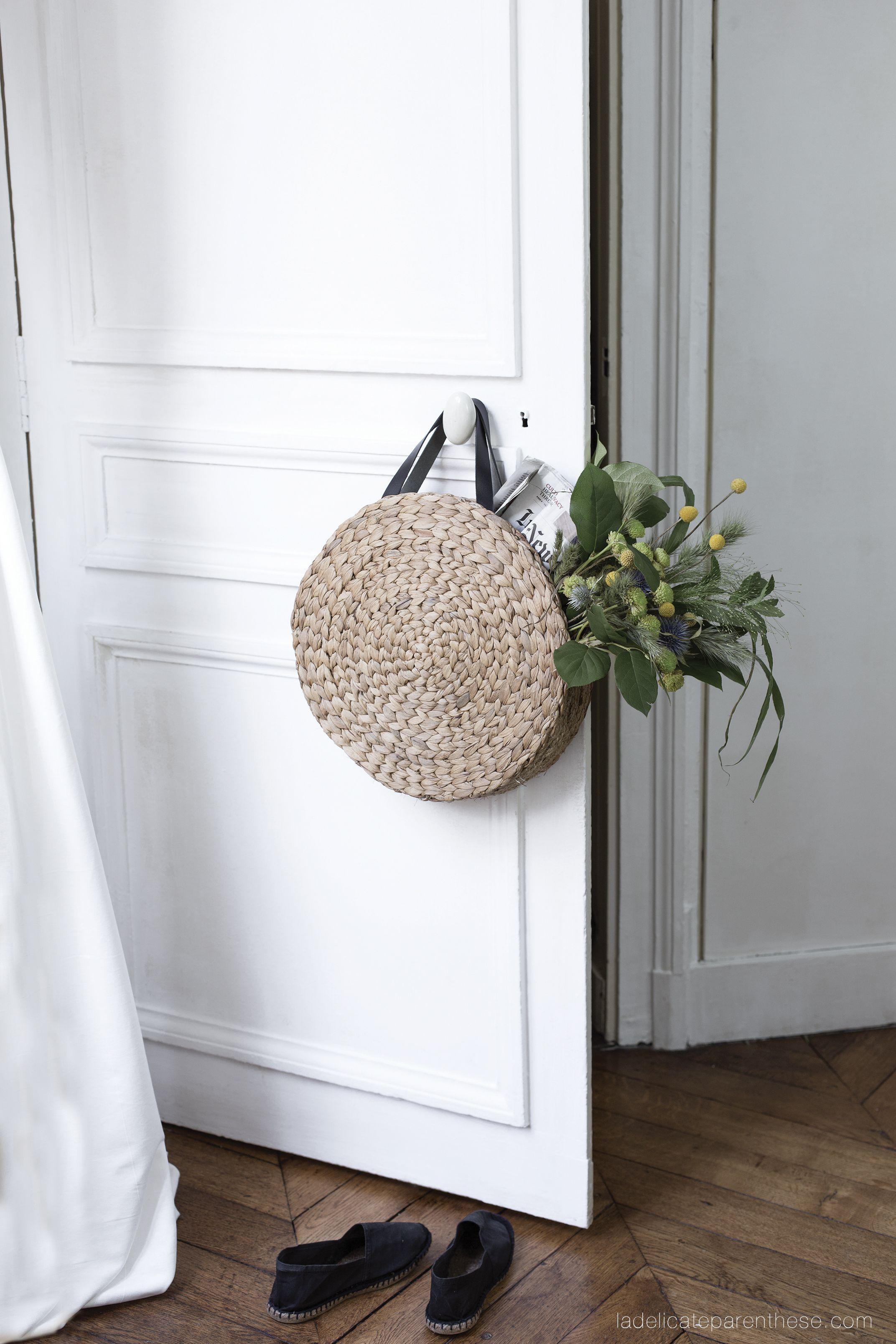 diy un panier rond en paille gr ce au ikea hack diy. Black Bedroom Furniture Sets. Home Design Ideas