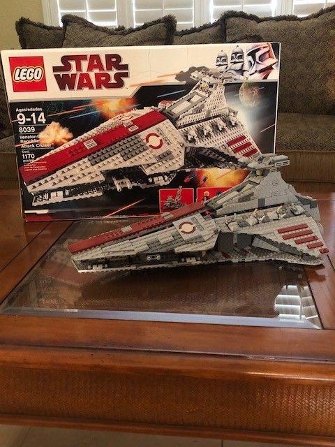 LEGO Star Wars Venator-Class Republic Attack Cruiser (8039) | Lego ...