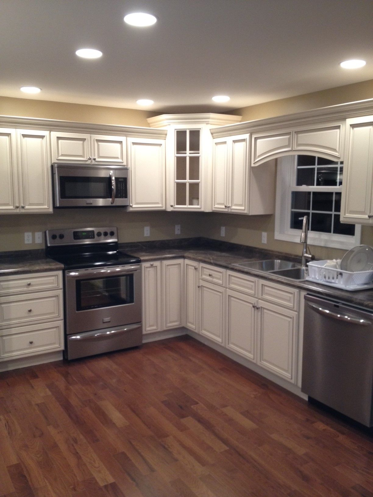 Signature pearl cabinets with slate sequoia countertops - 10x10 kitchen designs with island ...
