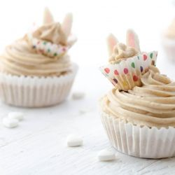 Vegan Easter Carrot Cupcakes - Delicious and so easy!