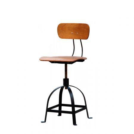 Une Chaise D Atelier A Hauteur Reglable Bien Confortable Grace A