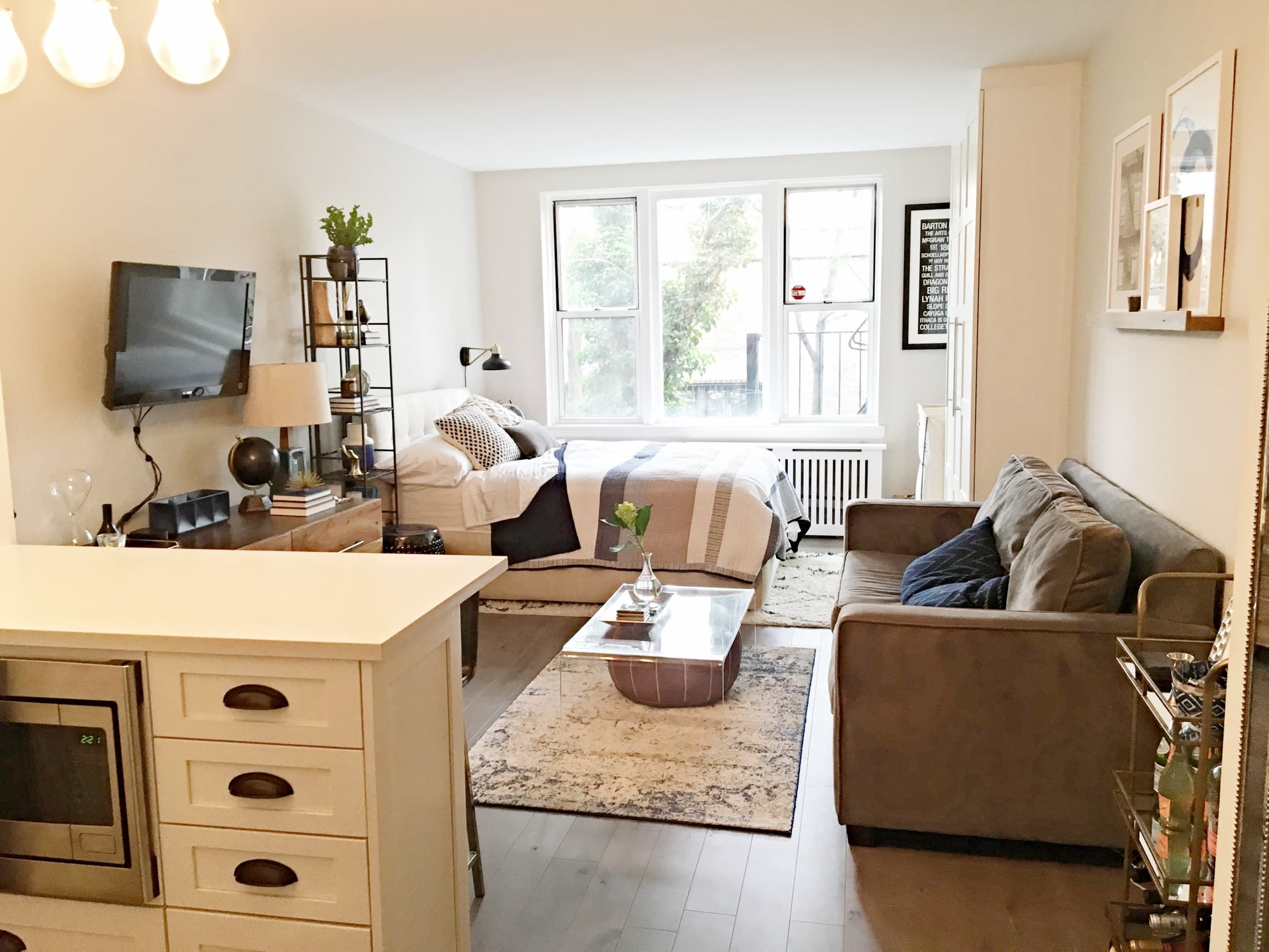 studio apartment furniture. Here\u0027s How One Couple Made The Most Of Their Small Space. - Apartment  Makeover More Studio Apartment Furniture N