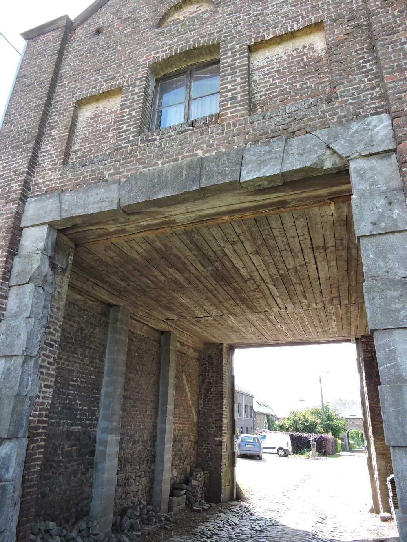 Porche D Entrée Bois ensival: porche d'entrée sud de la ferme de maison-bois | ensival