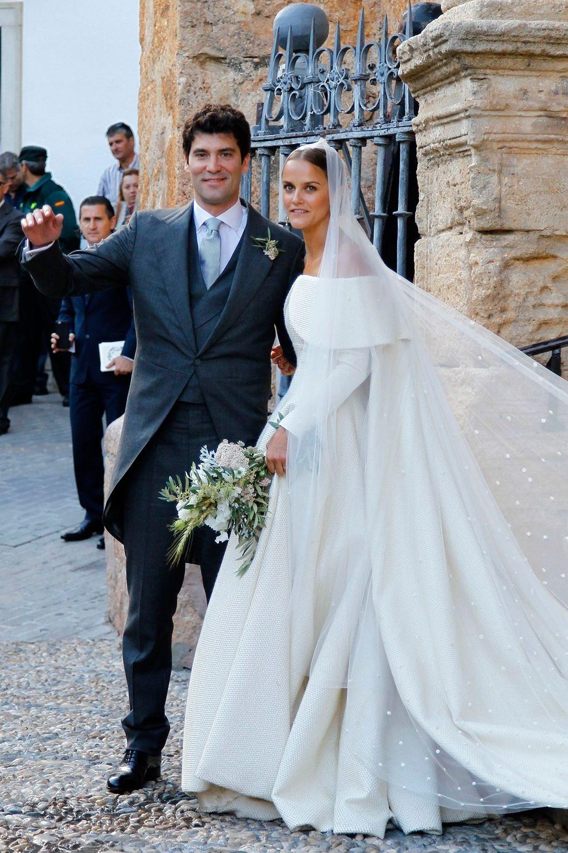 Society weddings 2016: Jerry Hall & Alexandra Knatchbull   Tatler ...