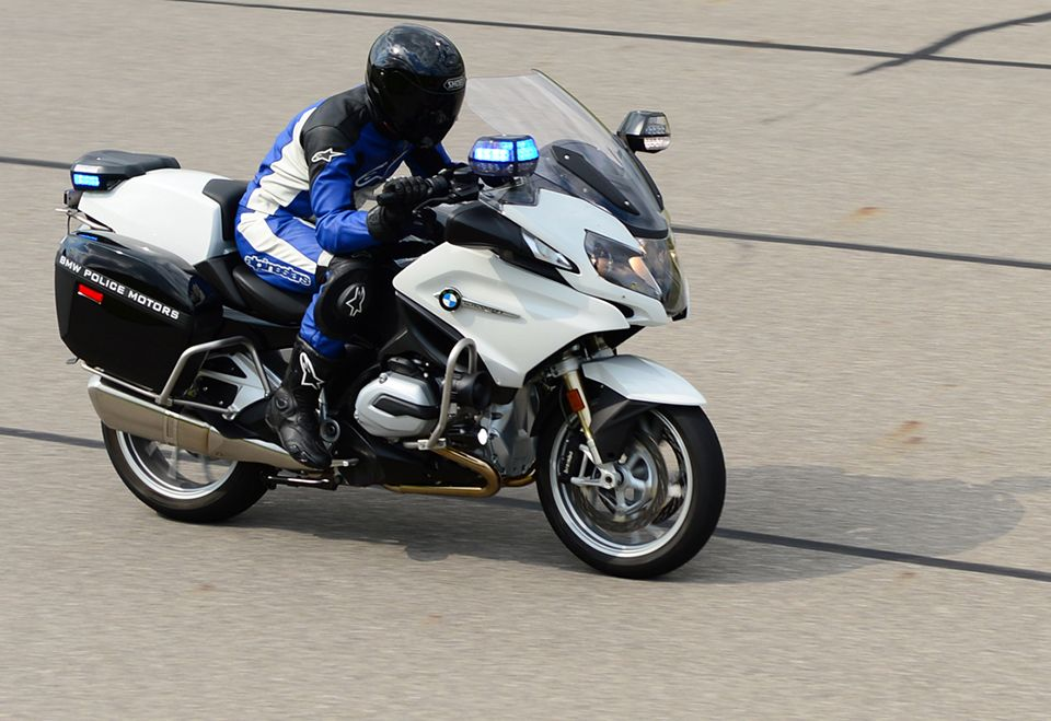 Bmw Motorrad Police Motors The R 1200 Rt P Clocked A Top Speed Of