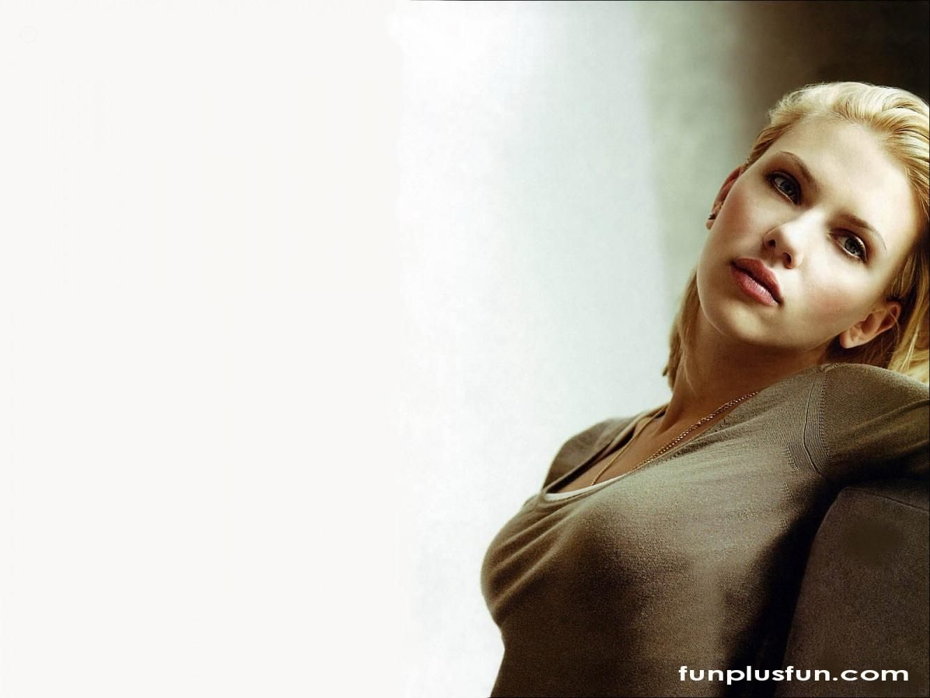 Image Varations Of Hot Wallpapers Of Hollywood Actress Hot Hollywood