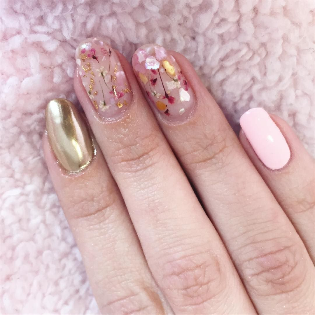 11 Spring Nails Looks to Try Right Now | Arte de uñas y Arte