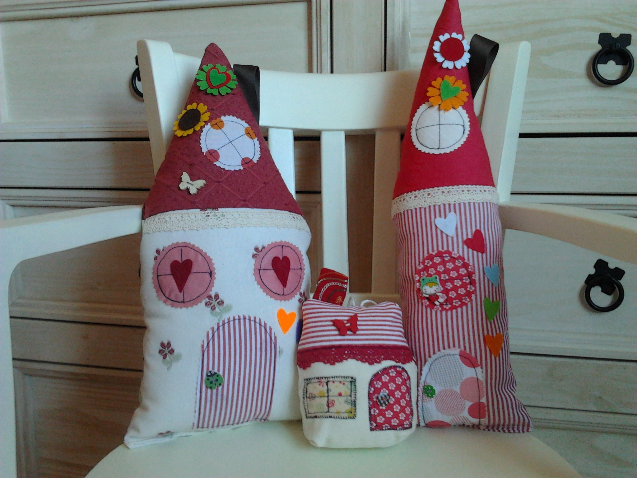 Casitas de tela para el hogar pinterest patchwork - Manualidades de tela para el hogar ...