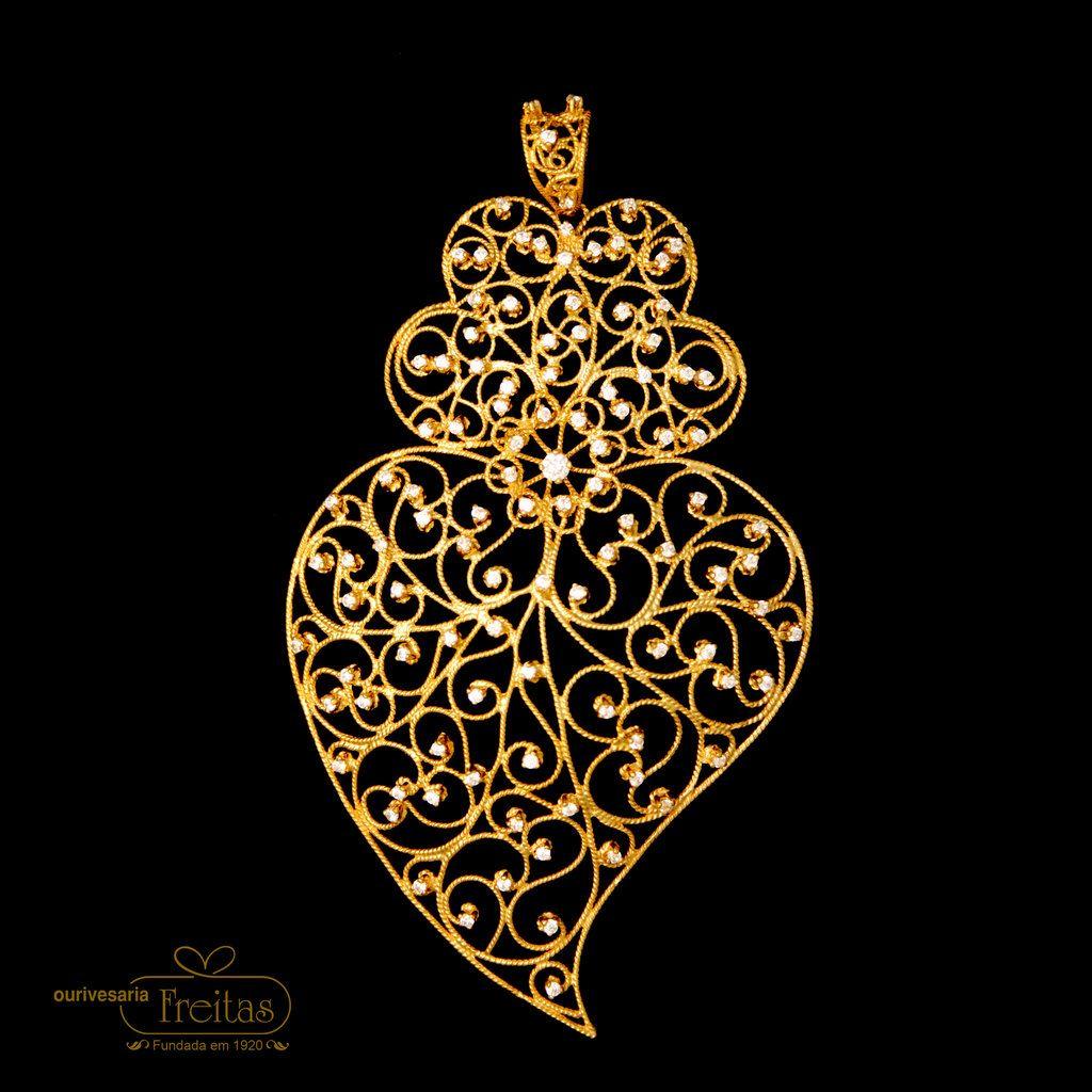 Gold Filigree heart www.ourivesariafreitas.com