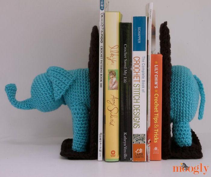Crochet elefante Sujetalibros!  Patrón #crochet Libre de Mooglyblog.com