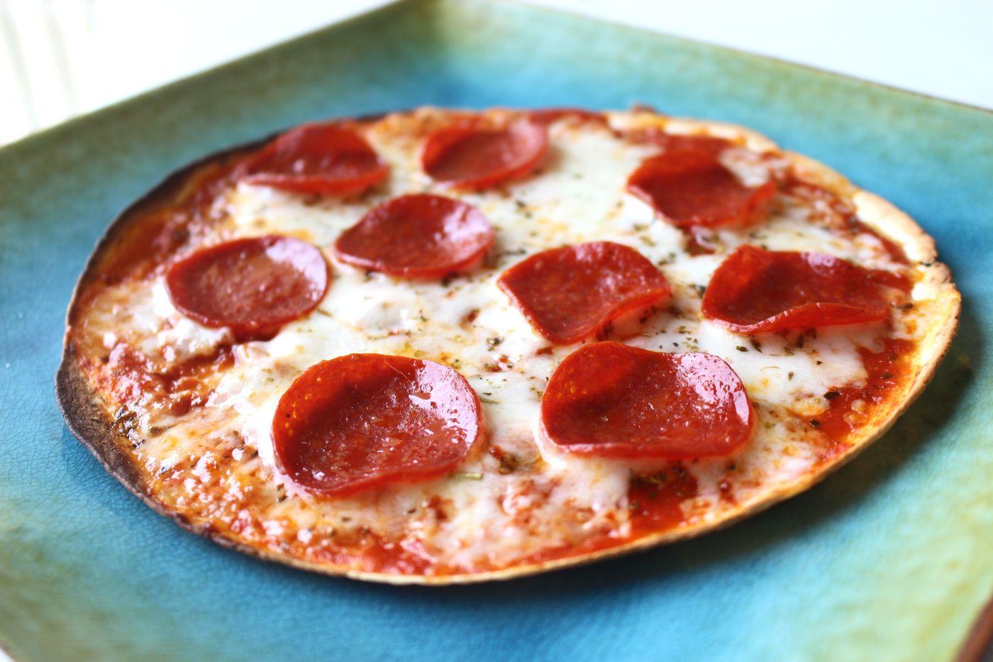 Tortilla Pizza A Hungry Soul Recipe Tortilla Pizza Food Recipes