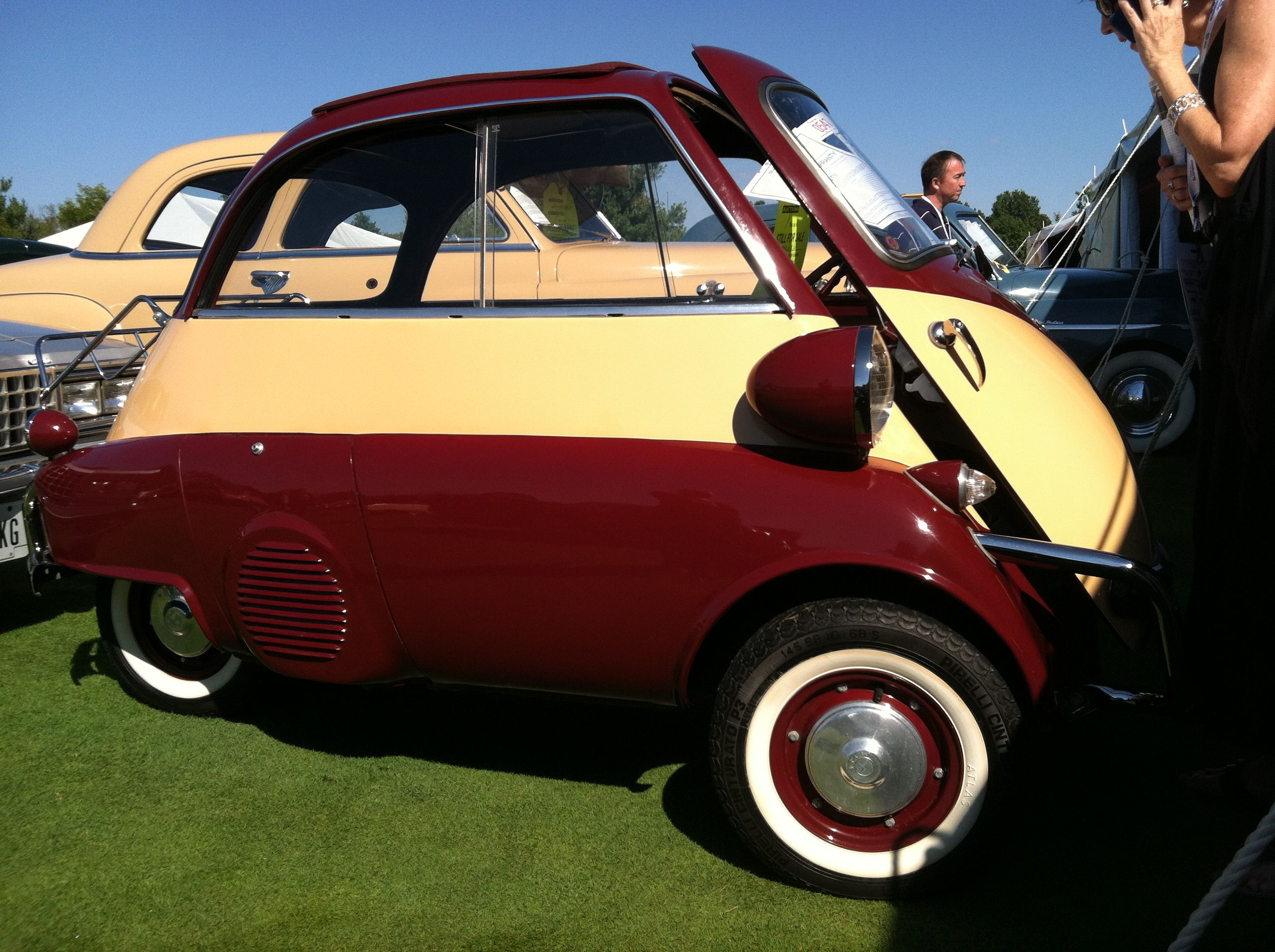 1954 BMW Isetta. Powered by a 250cc motorcycle engine ...