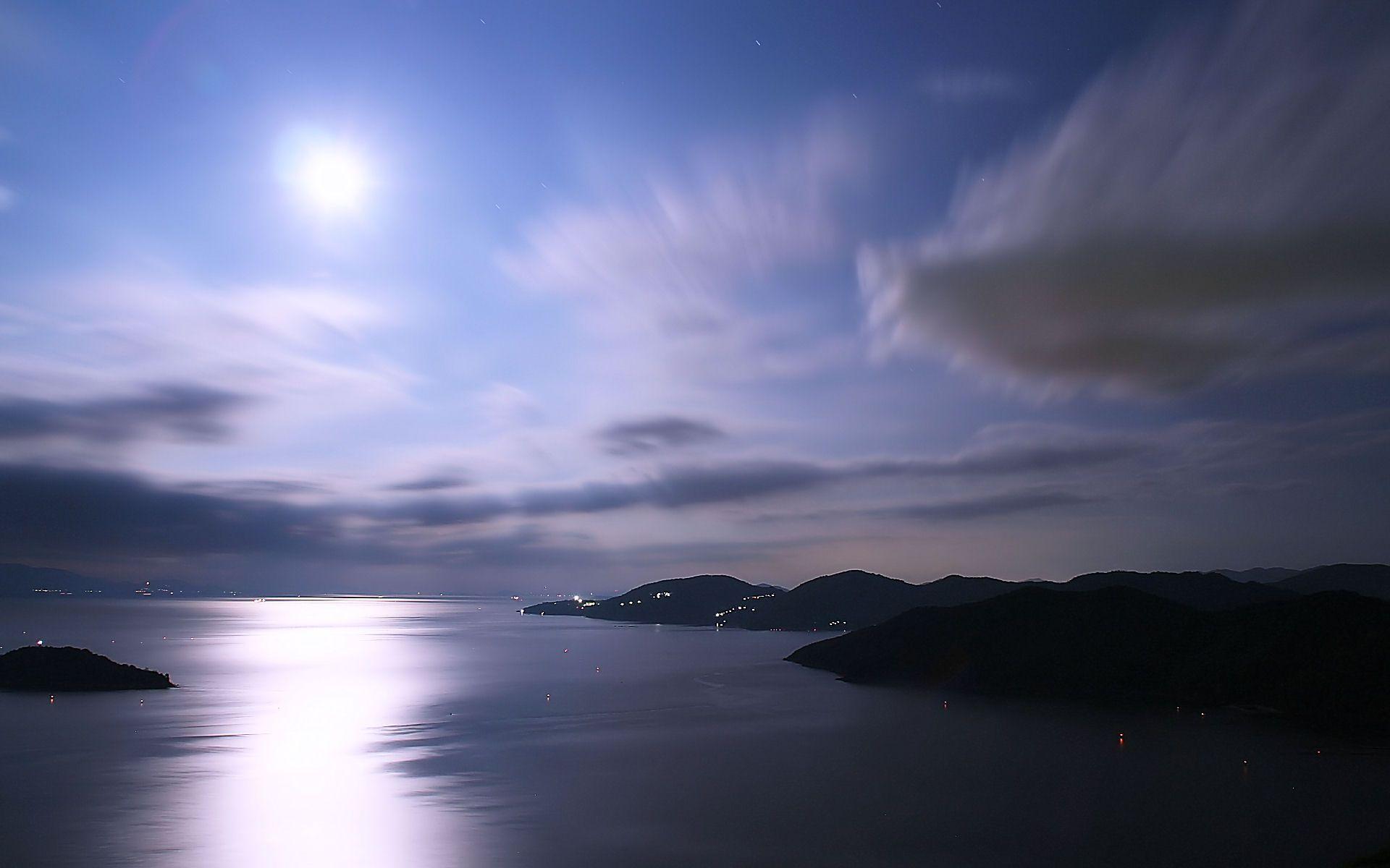 夜景 花火 イルミ 月光に光る瀬戸内海の夜景 壁紙19x10 壁紙館 夜景 壁紙 瀬戸内海 風景