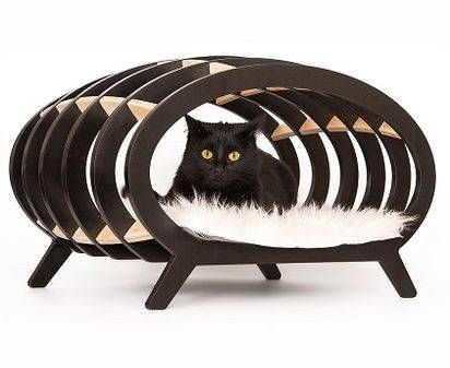 Ultra modern pet is a collection of cool, contemporary furniture designs for cats, dogs, and jellysfish. 30% of proceeds goes to animal charity!