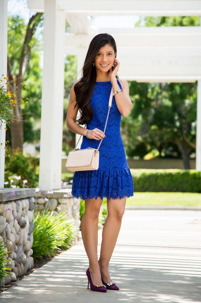Schuhe und tasche zu blauem kleid