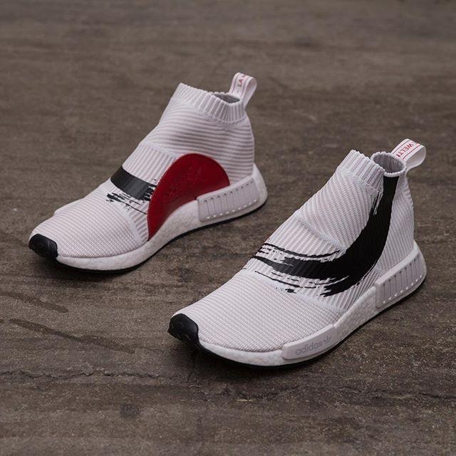 """73f686f529d adidas Originals NMD CS1 """"KOI"""" - vid midnatt är det dags för ännu ett grymt  NMD-släpp. Ni finner dem på www.footish.se  nmdcs1koi  koi  footish"""