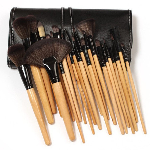 32-Piece Makeup-Brush Set with Vegan-Leather Travel Bag Comes in a vegan-leather pouch, perfect for travel