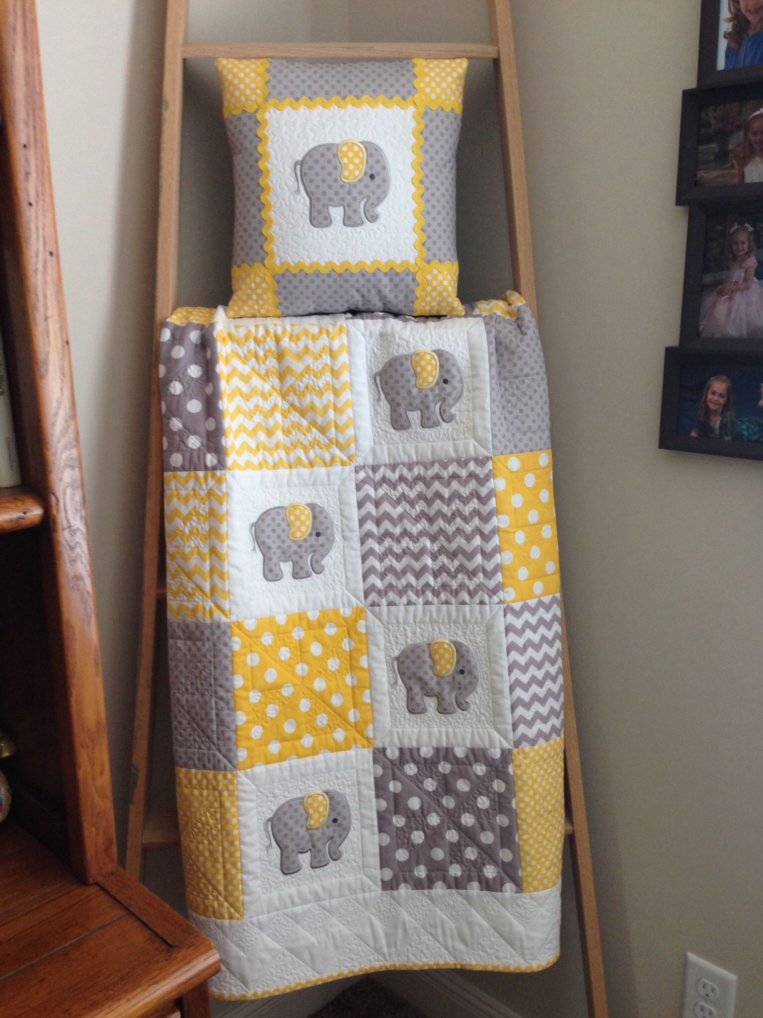 Elephant baby quilt in yellow gray maybe gram joan can for Grey baby fabric