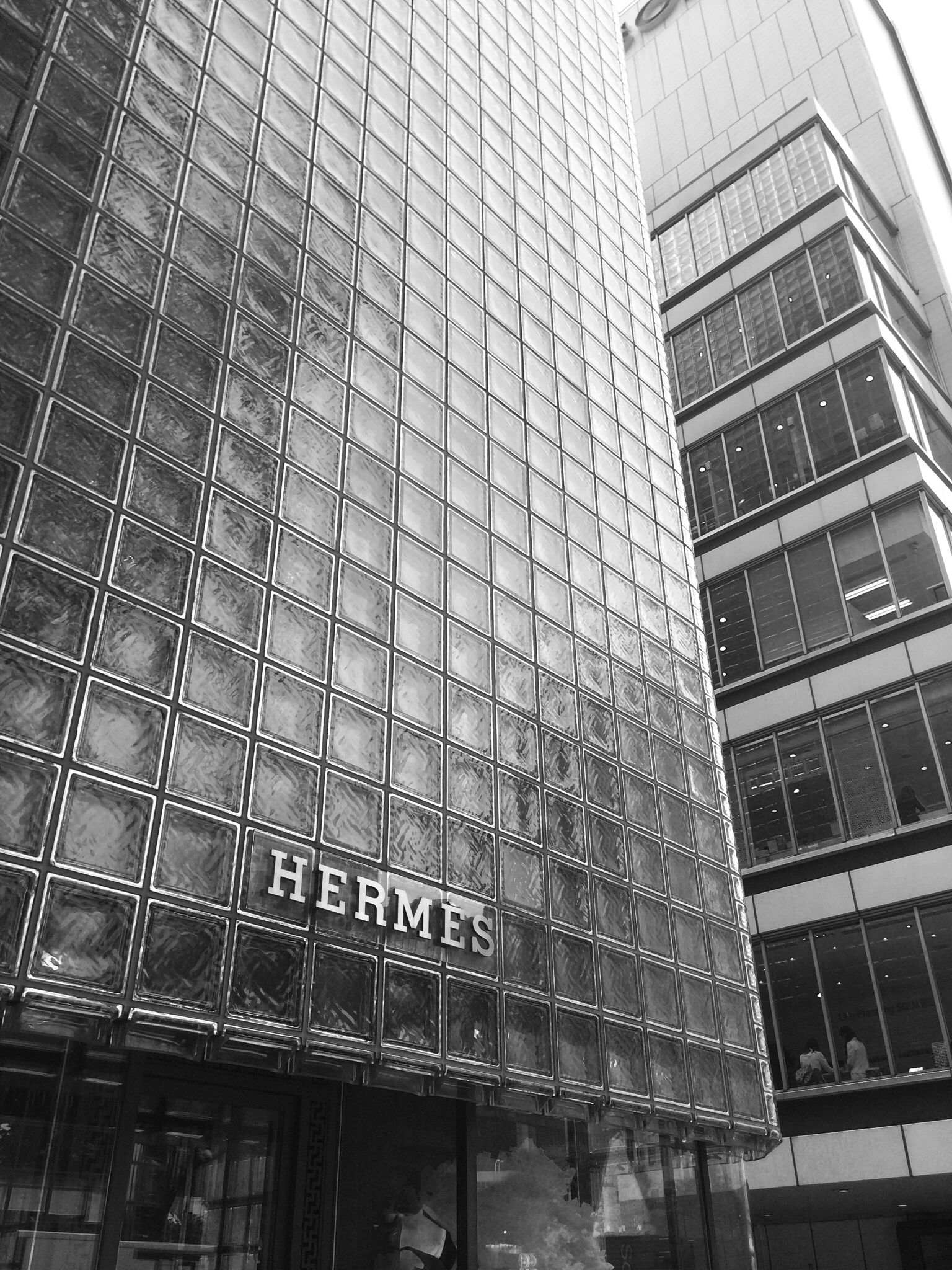See Hermes Flagship Store In Tokyo Maison Hermes By Renzo Piano