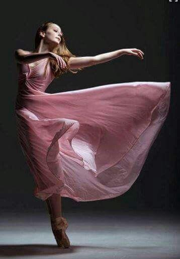 """By Gene Schiavone with Olga Gown  """"Alors elle danse.Il faut qu'elle trace,avec son corps,les lignes qui permettent d'intégrer l'espace.Seule la beauté du mouvement peut la sauver."""" Jeanne Benameur"""